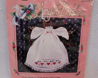 NEW VIntage Bucilla ANGEL BABIES Stamped Cross Stitch Kit Christmas 1992