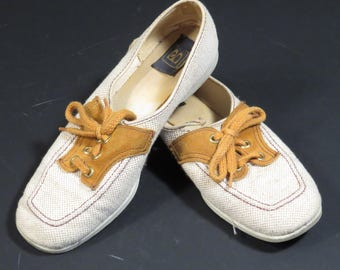 Tan Womens Brunswick Bowling Shoes Vintage 1970s Retro Rockabilly Oxfords