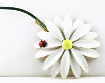 Vintage Sandor Mod White Enameled Flower Power Lady Bug Floral Brooch Pin (B-1-1)