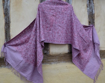 "Soft Pale Pink Pashmina Shawl/Stole Cashmere Goats wool from Ladakh. Pretty and Luxurious . 80 x 27""."
