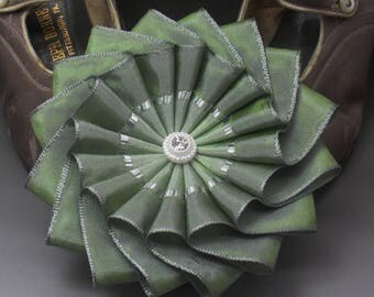 Two Tone Green Wheel Cocarde Applique