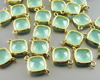 2 Small faceted diamond shaped mint turquoise glass connectors, 5063G-MI