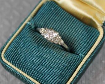 Vintage 14K White Gold Art Deco Diamond Ring Size 5.5
