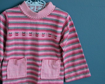 Vintage Pink Striped Turtleneck with Apple Print - Size 4T