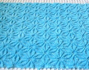 """Bahama Blue Hofmann Daisy Vintage Chenille Bedspread Fabric 18"""" x 24"""""""