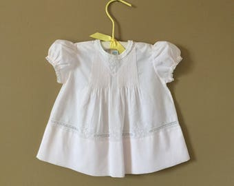 Vintage Girls Size 6-9M Feltman Brothers One Piece Dress / Palest Pink Cotton White Lace A-line Pintucked Hand Embroidered Puffy Sleeves