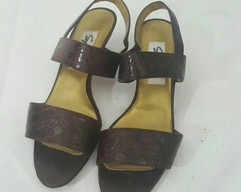 Spiegal 1980s Brown Leather Alligator Embossed Strappy Slingback Sandals with kitten heels  7