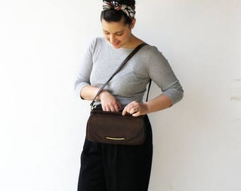 MOVING SALE Vintage 1960s Purse / Chocolate Brown Shouler Bag