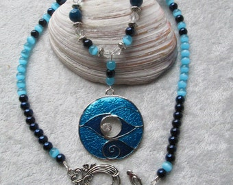 Sassy Cat Diva Pendant Necklace - Dark Turquoise Agate and Cats Eye Beads - Swarovaski Crystals - Stunning and Elegant - Classy - Ooak