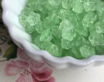 Peridot Glass Button Beads,Miriam Haskell Style,Mint flower beads,Vintage Glass Buttons,Button Back,Green Czech Glass,7mm #1693J