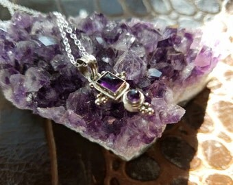 Amethyst and sterling silver pendant 22 inch chain necklace