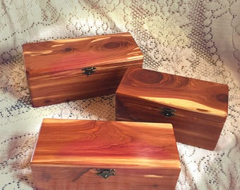 Custom Engraved Rustic Box, Rustic Wooden Keepsake Box, Personalized Wooden Gift Box, wood burned, cedar wood