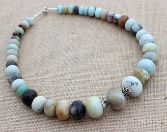Womens Chunky Necklace