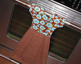 Dish Towel Dress. Hanging Towel Dress, Reversible,  Hangs on Stove. Teacher or Hostess Gift