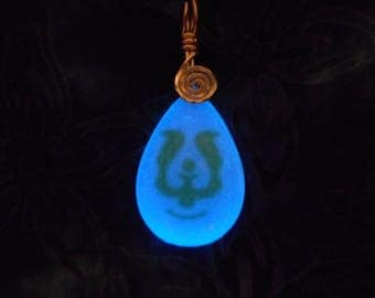 Castle in the Sky Necklace Pendant  -  Sheeta's Amulet -  Laputa Stone - GLOW-in-the-Dark - 8 HOUR Glow