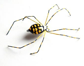 Medium Garden Spider, Writing Spider, Yellow and Black Wire Art, Nature Ornament, Garden Party Gift for Host or Hostess, Unique Gift