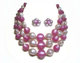 50's Beaded 3 Strand Bib Necklace & Cluster Earrings in Lilac Pink and Gray Color Baroque Pearls - Vintage 50s Costume Jewelry Demi Parure