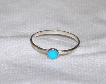 Carolina Sundance Tiny 4mm  MEXICAN NACOZARI  Turquoise Stacking Ring Stack Ring  Available Sizes 6 to 9    12 Guage Sterling Silver