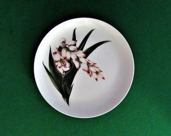 "Santa Anita Flowers of Hawaii Shell Ginger Luncheon Plate 9 3/8""  Mint Condition"