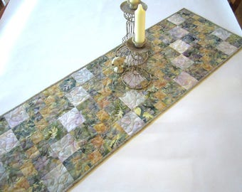 Quilted Table Runner, Batik Table Runner, Handmade Table Runner, Home Decor, Tablerunner, Table Linen, Table Quilt, Table Runner Quilted