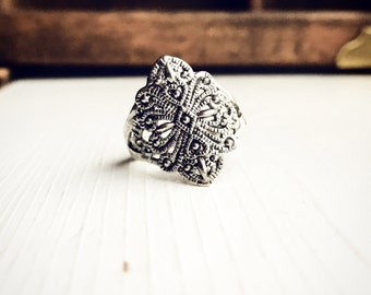Vintage Pot Metal Ring Size 6.5 Silver Boho Bohemian Gypsy Style Costume Belly Dancer Grunge 90s