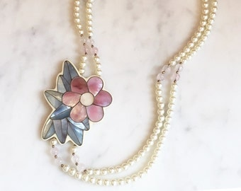 Vintage 70s Pink Flower Necklace / 1970s Mother of Pearl Inlay Pendant Necklace Lee Sands