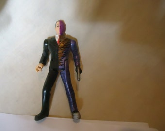 Vintage 1995 Two Face Action Figure Toy by DC Comics, Kenner, Villian collectable