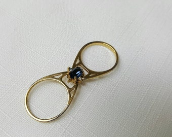 Avon Reversible Sapphire and Crystal Gold  Tone  Ring 1993 size 7