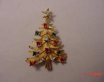 Vintage Rhinestone Christmas Tree Brooch   16 - 580