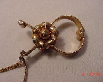 Vintage Flower Blossom Glove Holder  16 - 710