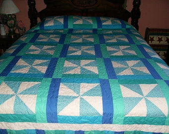Pinwheel Pattern Queen Size Quilt in blue, green, teal and white!  Summer never looked so good!