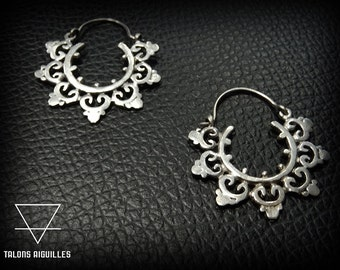 Boucles d 'oreille ,plaqué argent # ethnic brass earrings # mandala # silver plated # tribal hoop 29-180