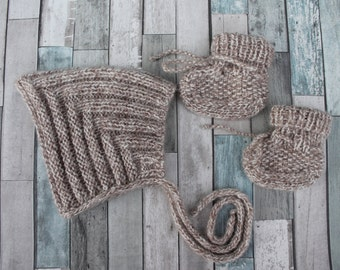 Hand Knit Pixie Baby Bonnet and Booties Set. Baby Boy Bonnet and Booties Set. Knit Baby Boy Pixie Hat. Baby Boy Booties. Tan/Cream Baby Set.