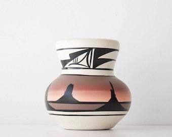 Vintage Southwestern Native American Cedar Mesa Pottery Vase