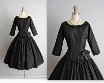 50's Dress // Vintage 1950's Taffeta Classic Black Full Cocktail Party New Look Dress