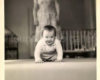 Digital Download, Baby Crawling, Vintage Photo, Black & White Photo, Snapshot, Found Photo, Vernacular Photo, Old Photo, Printable Photo