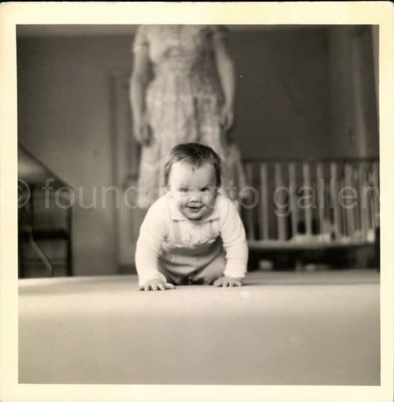 Digital Download, Baby Crawling, Vintage Photo, Black & White Photo, Snapshot, Found Photo, Vernacular Photo, Old Photo, Printable     0213