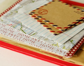 A *red + kraft* PACK-of-POCKETS. A selection of pouches, envelopes & pockets for all your crafty doings