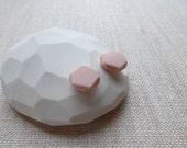 Peach Faceted Porcelain D...