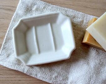 IRONSTONE White Farmhouse Soap Dish