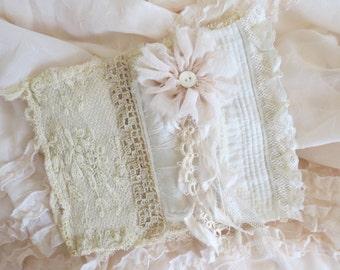Vintage laces journal