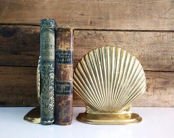 Vintage Solid Brass Seashell Bookends / Windcurrent Collection / Nautical beach decor