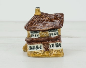 House Figurine Tey Pottery - Small - Miniature - Ornament - Decoration - Brick - Cottage - 1716