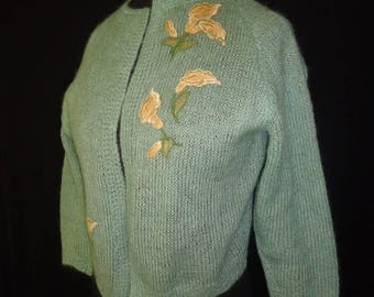 Seafoam Green Appliqued Lilies Vintage 1950's Women's Cardigan Sweater M