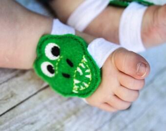 Alligator Barefoot Sandals, Alligator Baby Sandals, Alligator Sock Keepers, Baby Boy Sock Straps, Alligator sock straps, Boy Barefoot Sandal