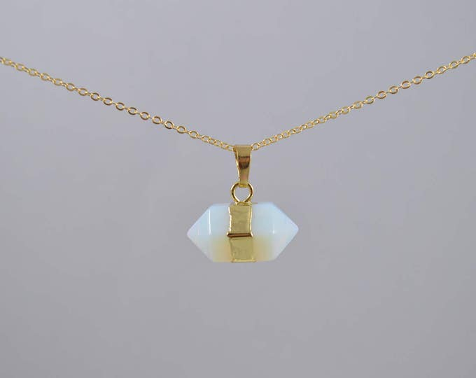 Opal Necklace, Opalite Necklace, Crystal Choker, Crystal Point Necklace, Quartz Crystal, Crystal Pendant Necklace, Opalite, Druzy