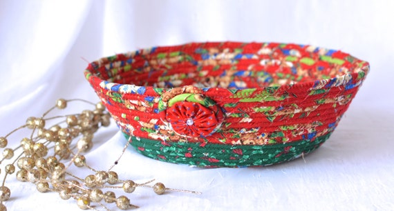 SALE... Handmade Holiday Decoration, Pretty Christmas Decorative Bowl, Homemade Christmas Candy Bowl, Christmas in July Gift