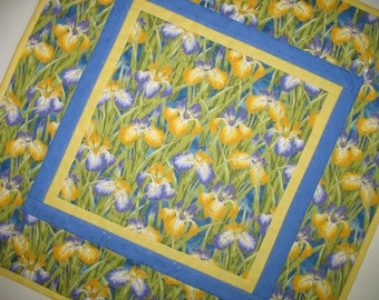 Table Topper, Floral, Spring, Summer, handmade, quilted table topper