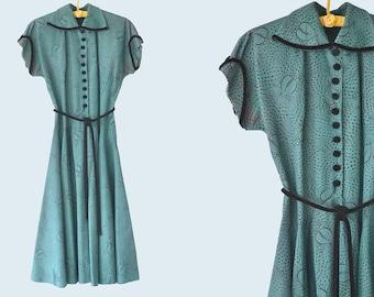 40's Green Leaf Print Dress Size S