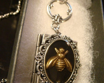 Steampunk Style  Bee Book LOCKET Necklace (2249)